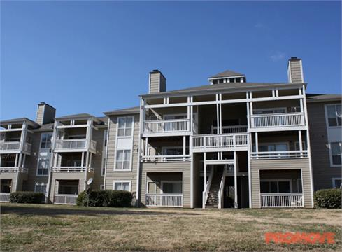 Jefferson Lakeside Apartments